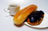 コーヒーとパンとエクレア