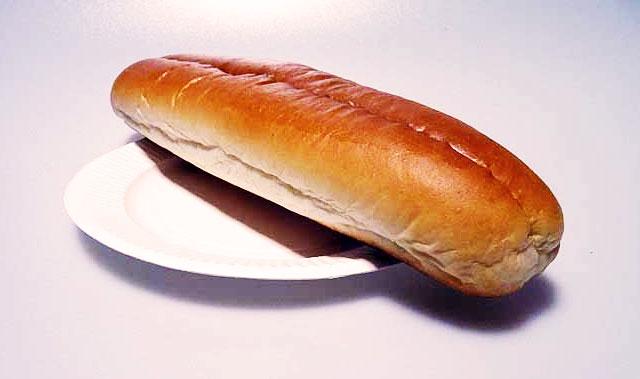 菓子パンとお皿その2の拡大写真