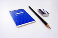 メモ帳と鉛筆とケシゴム