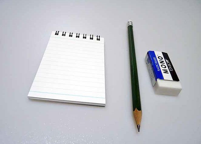 メモ帳と鉛筆とケシゴムその3の拡大写真