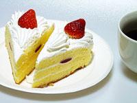 苺のショートケーキ2個とコーヒー2分の1