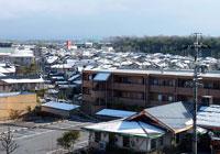 雪と町の冬景色