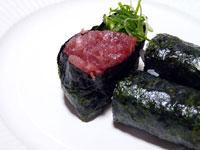 お寿司のネギトロ巻き