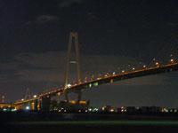 ライトアップされた橋と海の夜景その2