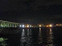 夜景(橋と町の明かりと海)