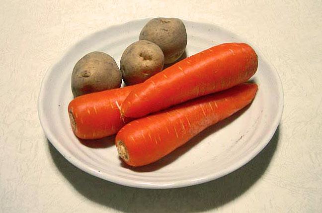 野菜(ニンジン3本とジャガイモ3個)その2の拡大写真
