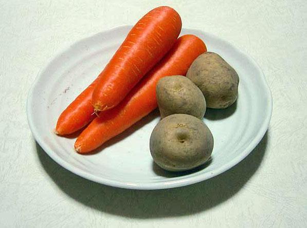 野菜(ニンジン3本とジャガイモ3個)その3の拡大写真