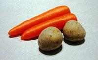 ニンジン2本とジャガイモ2個の野菜