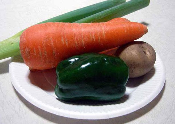 野菜(ニンジンとジャガイモとピーマンと長ネギ)その3の拡大写真